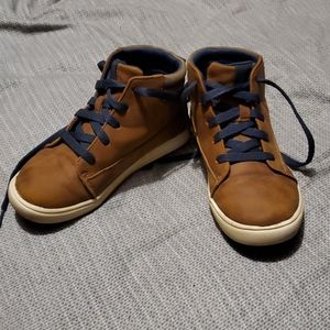 Size 13 Hightop shoes